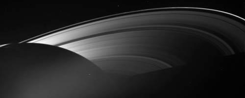 Outer Space, un film composé d'images de l'espace de Cassini et Voyager